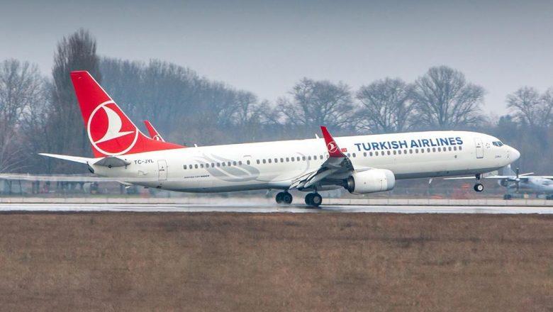 737-900 take off