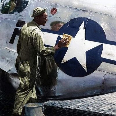 Polishing my Star North American P-51 Mustang