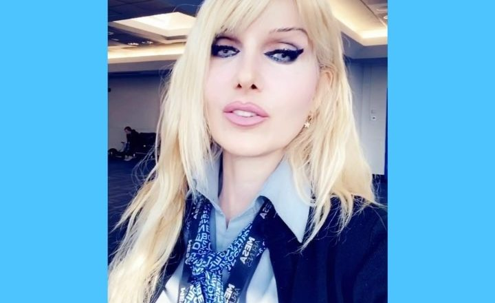 WASHINGTON DC Dulles Airport report – Blonde stewardess