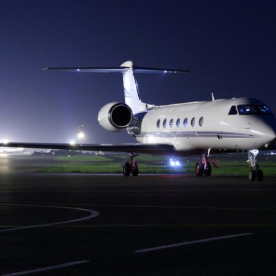 10 Ways Private Charters Differ from Commercial Flights – Jettly Private Jet Charter Blog
